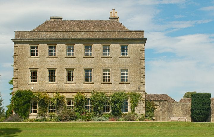 langley-park-magnificent-cotswold-georgian-mansion-featured