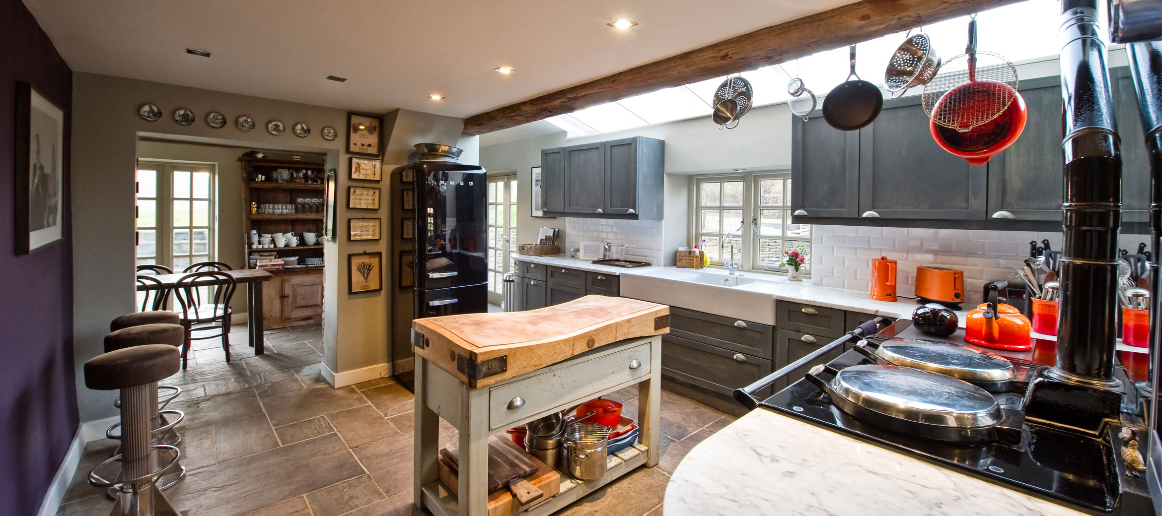 the-folly-cotswold-cottage-kitchen-aga