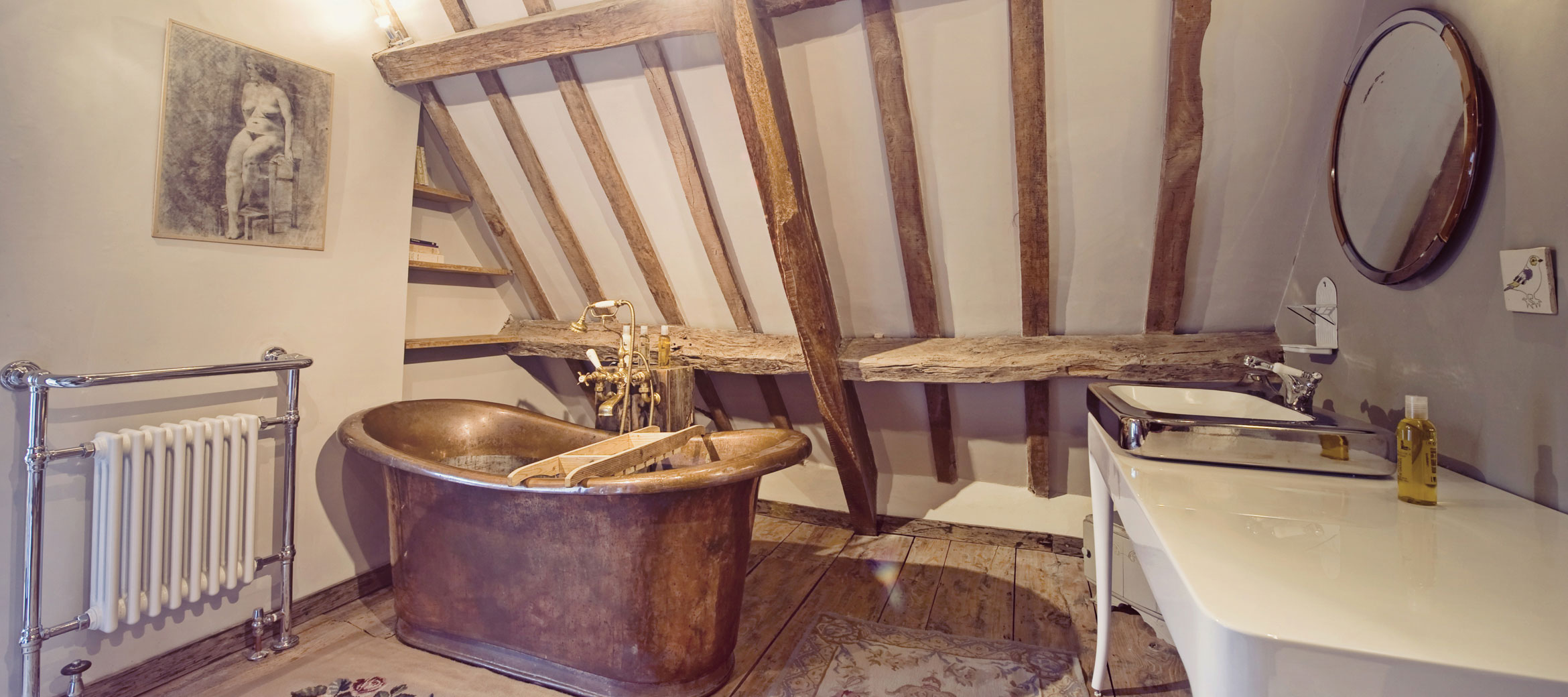 the-folly-cotswold-cottage-Reine-bathroom