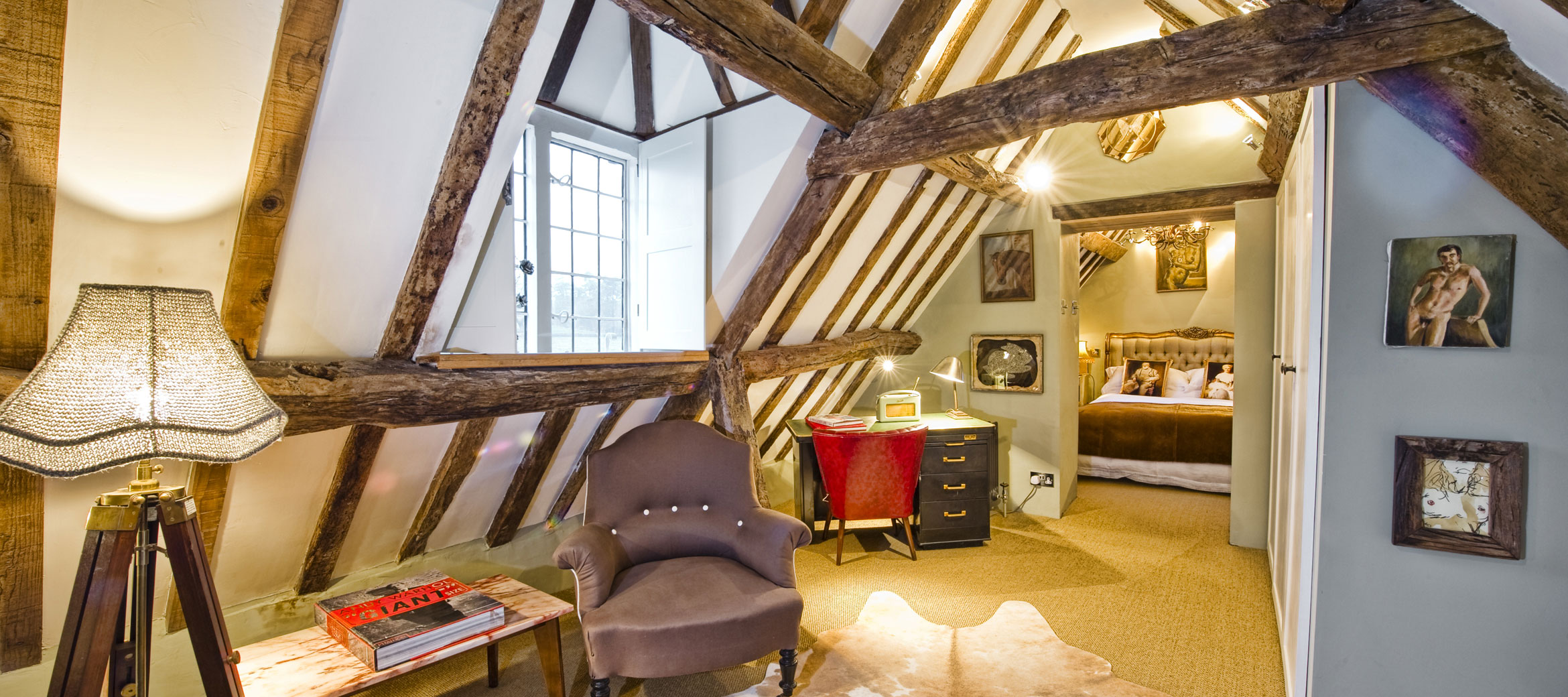 the-folly-cotswold-cottage-Reine-bedroom-suite