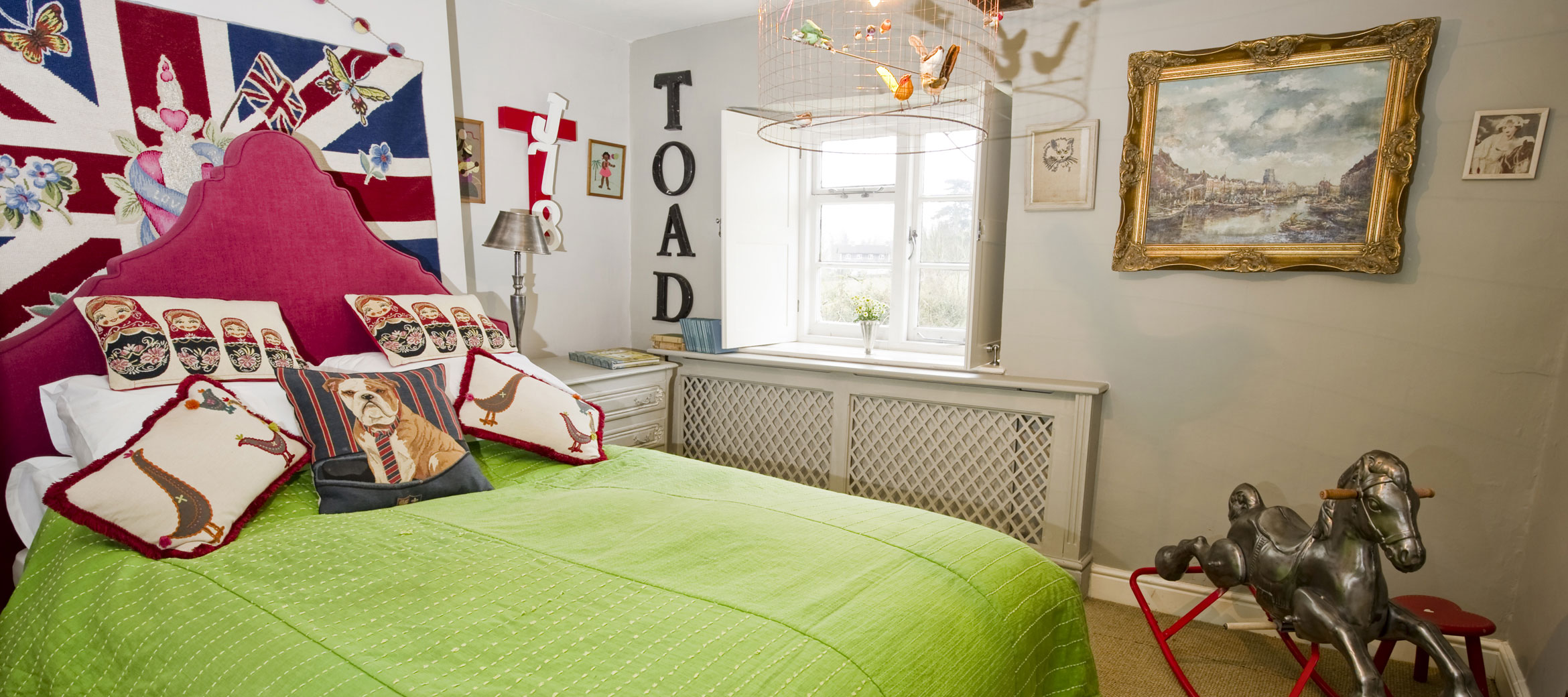 the-folly-cotswold-cottage-Toad-bedroom