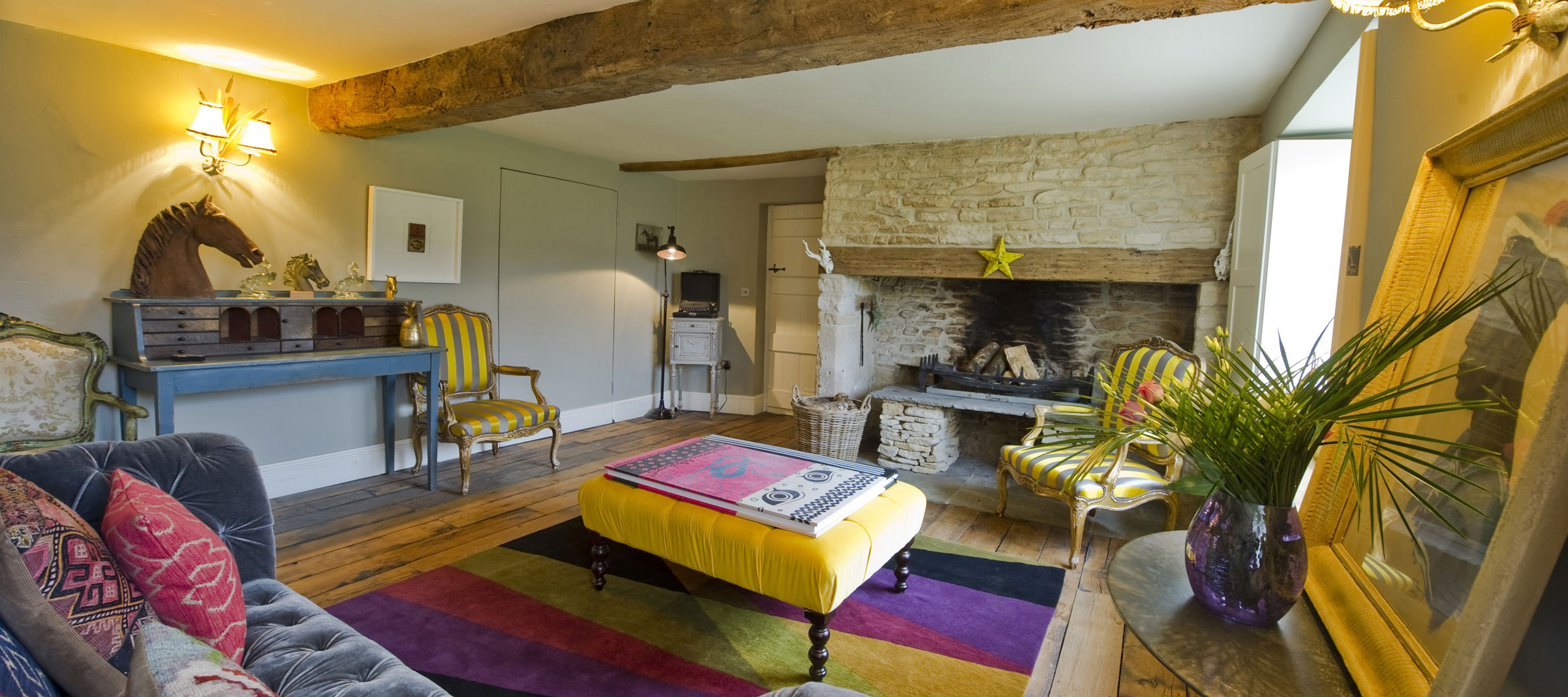 the-folly-cotswold-cottage-drawing-room