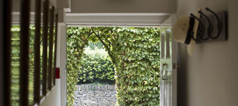 home-farm-cottage-hall