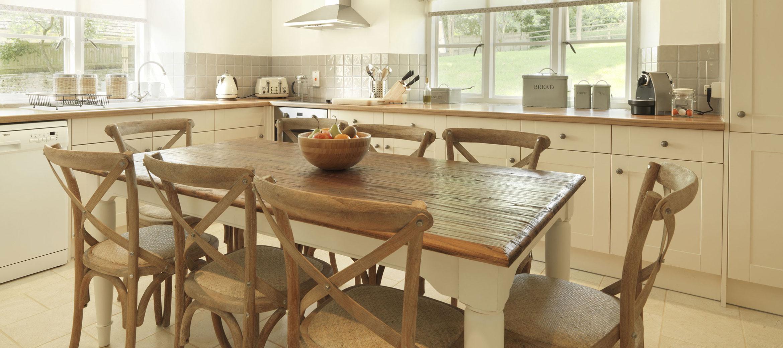 home-farm-cottage-kitchen-breakfast