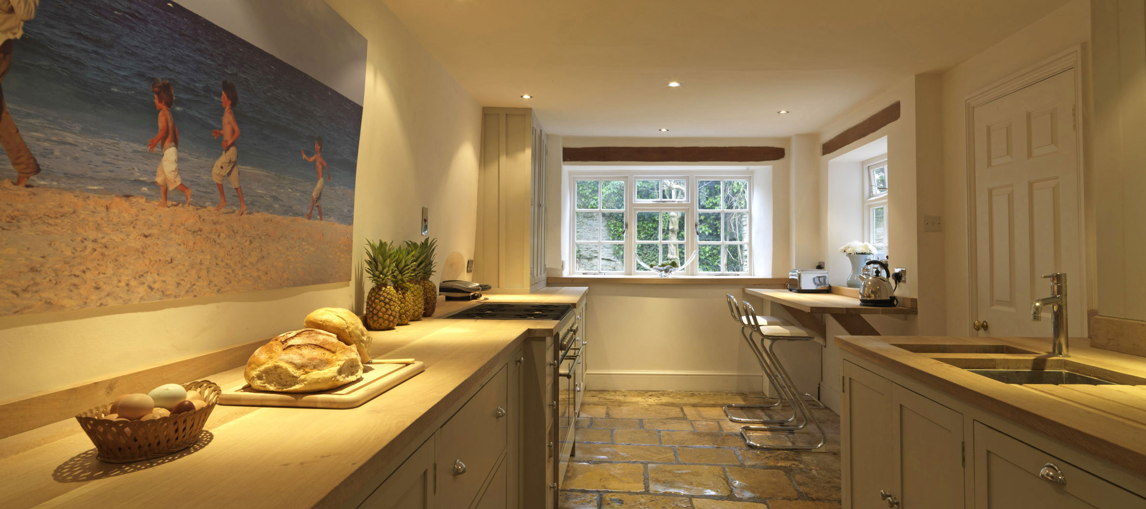 old-surgery-cotswold-kitchen