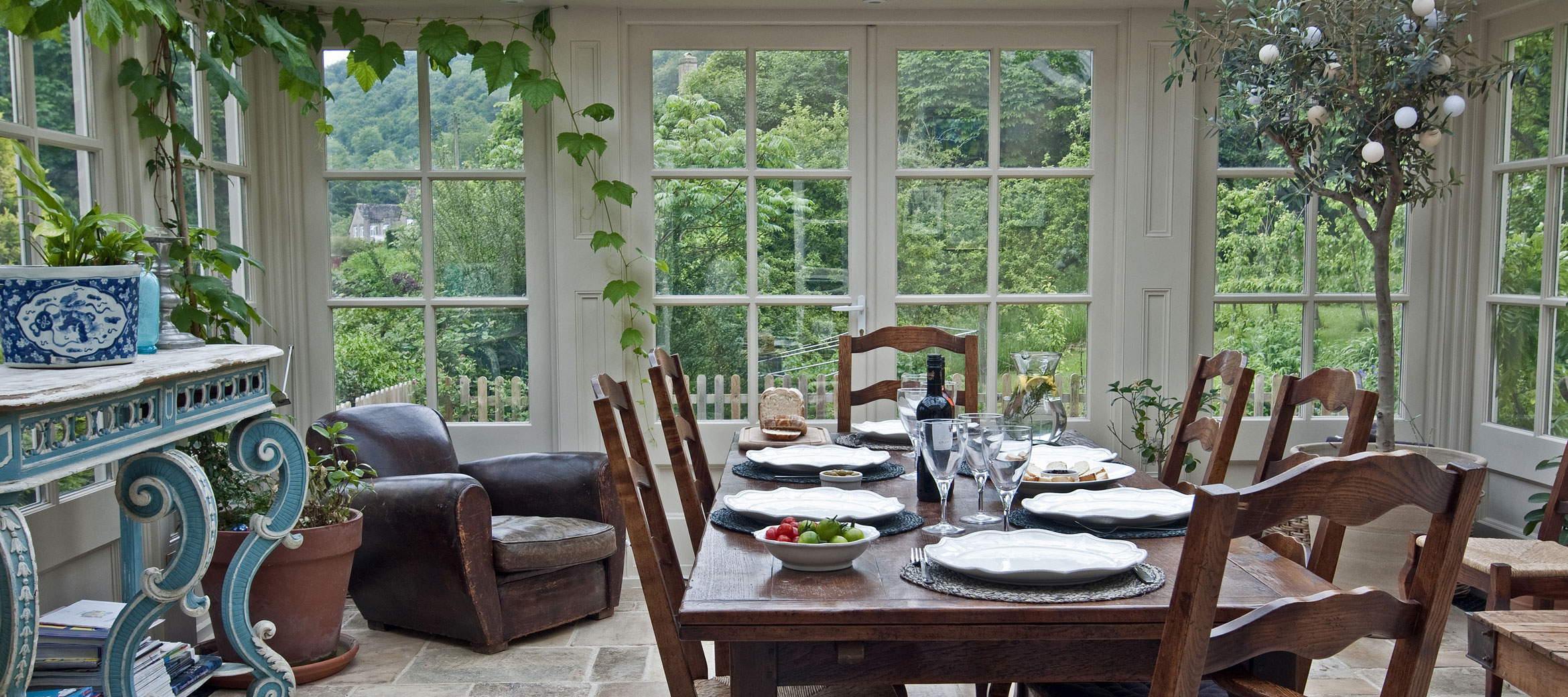sheepscombe-house-conservatory-dining-room