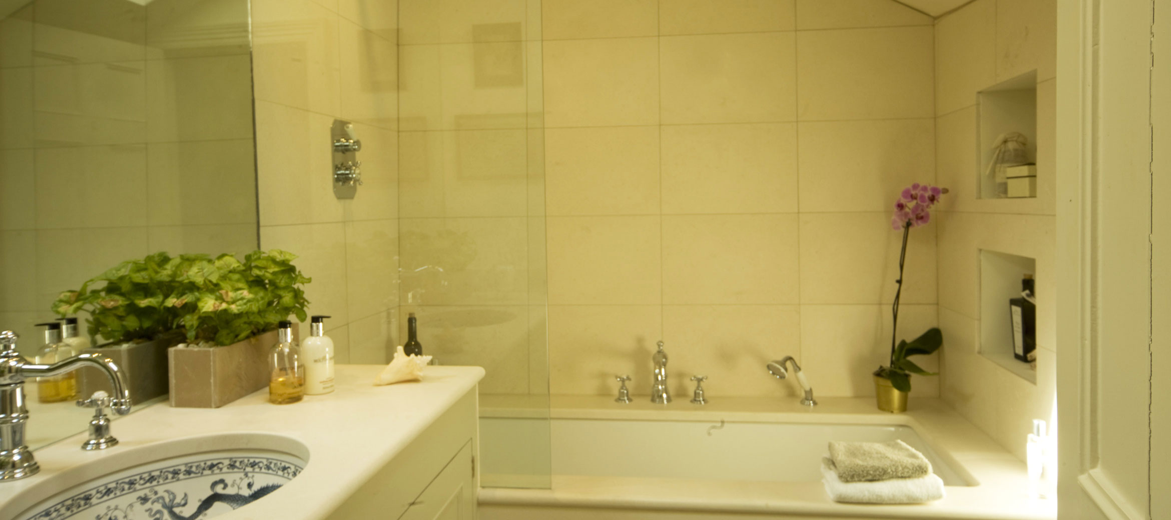 Singer-House-chipping-campden-bathroom
