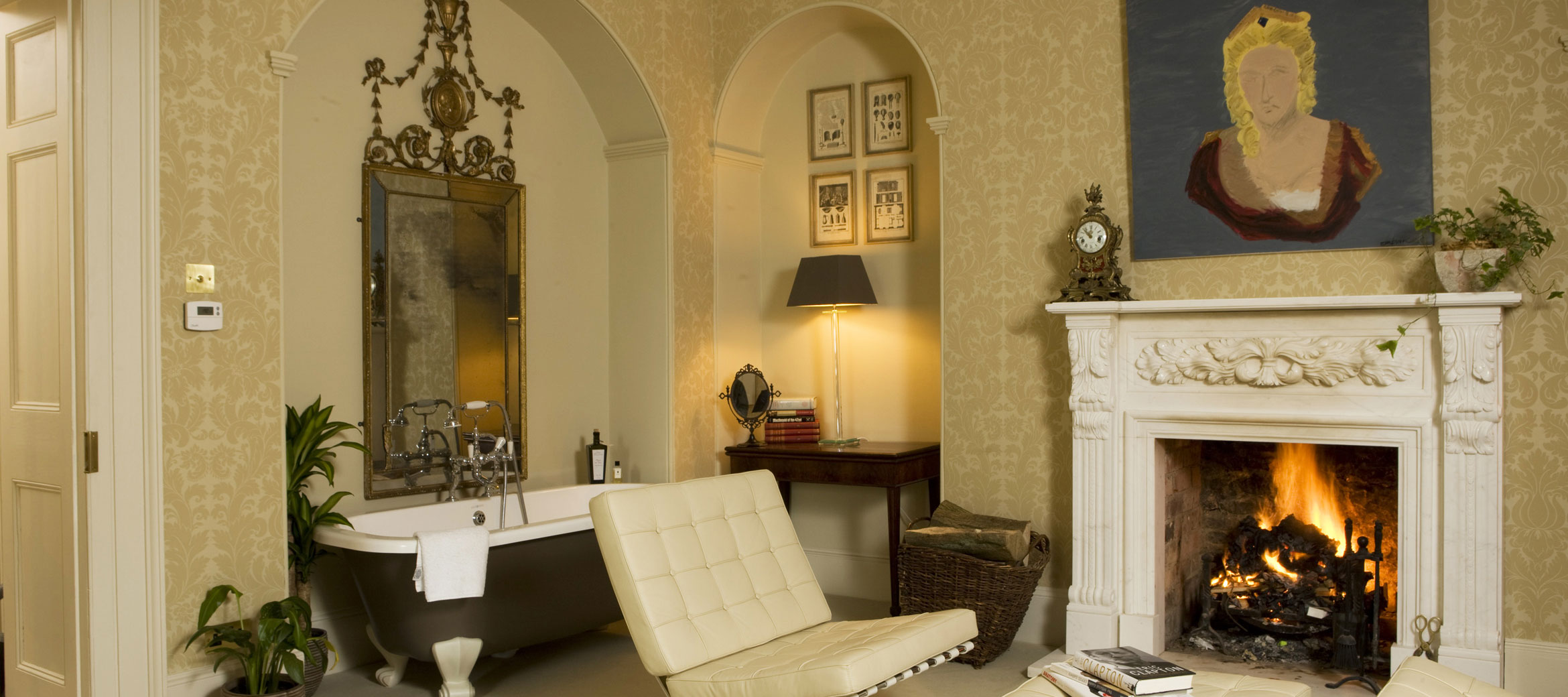 Singer-House-chipping-campden-master-suite-bathtub