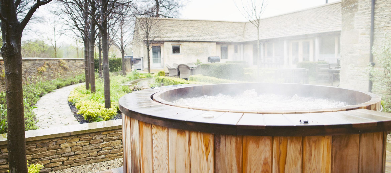 Temple-Guiting-Barn-Hot-Tub