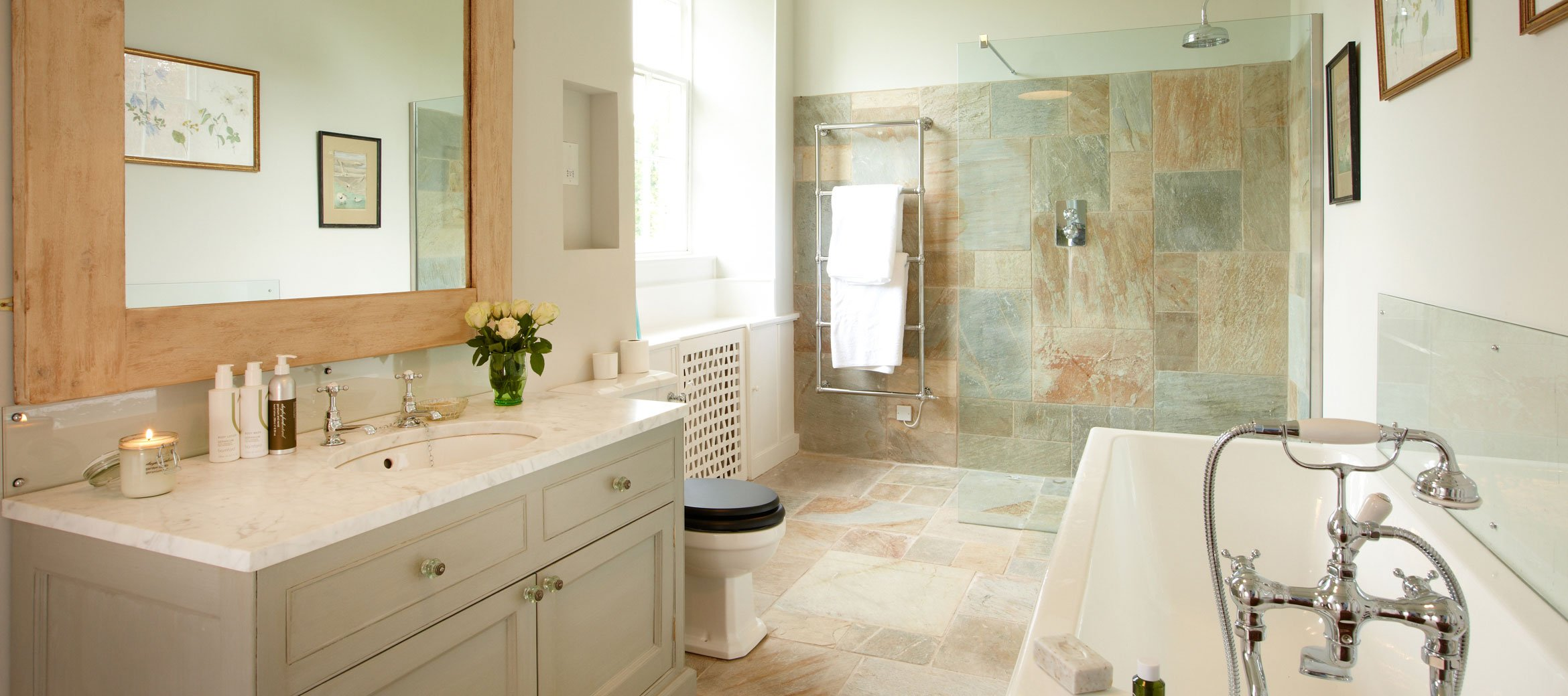 Cornwell-manor-ensuite-bathroom
