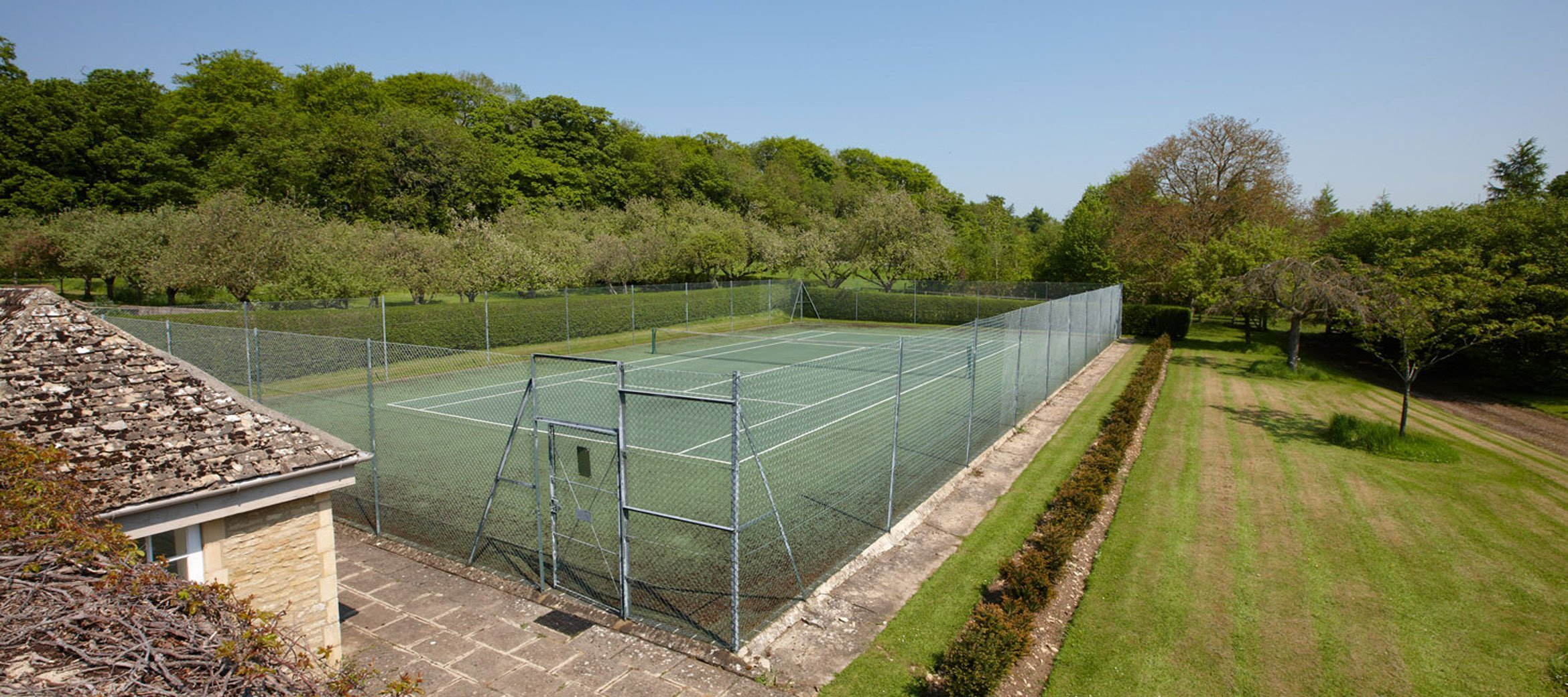 cornwell-manor-tennis-court
