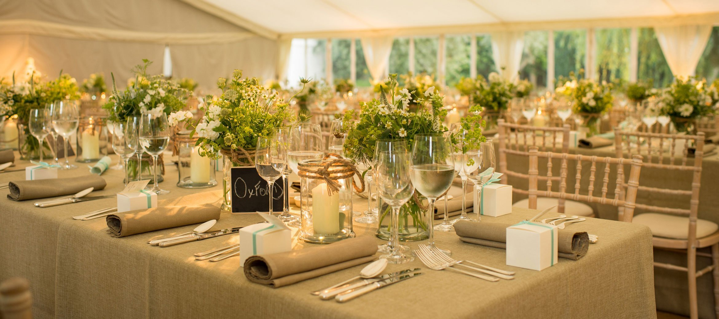 Cornwell-Cotswold--Wedding-luxury-Marquee