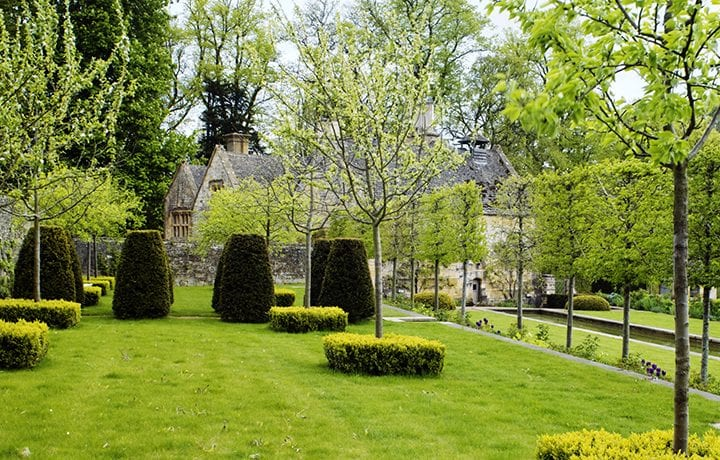 Temple-Guiting-estate-featured