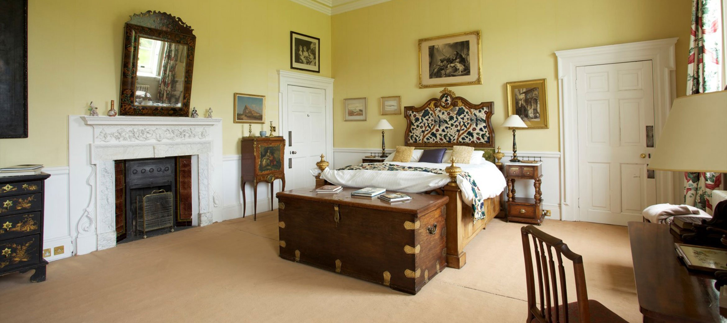 bradley-park-italian-bedroom-suite