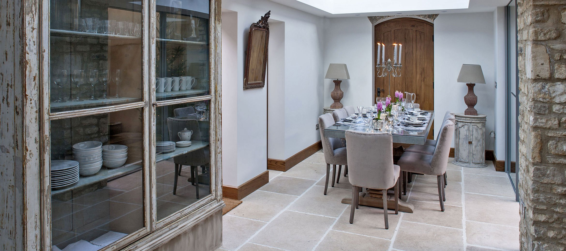 burford-cotswold-cottage-open-plan-dining-room