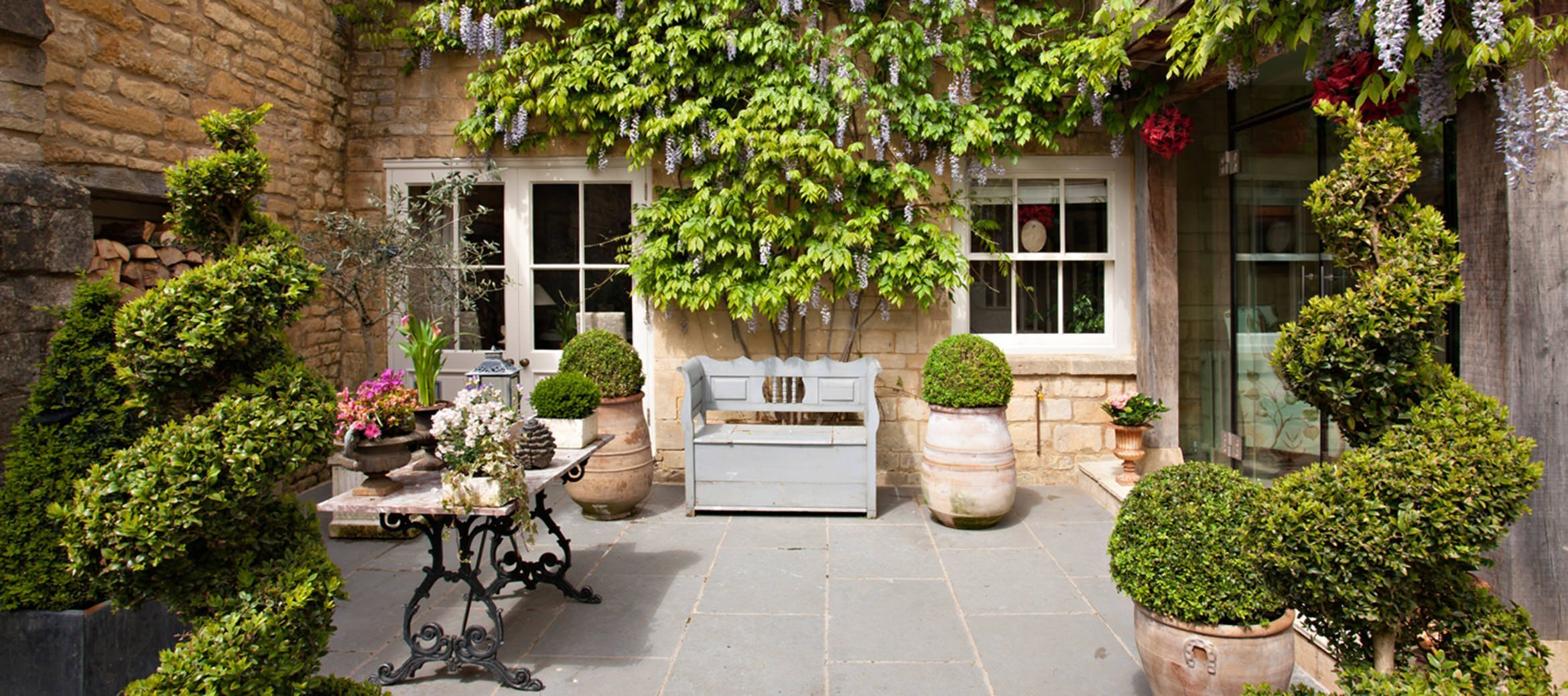 Singer-House-luxury-cotswold-cottage-Garden004