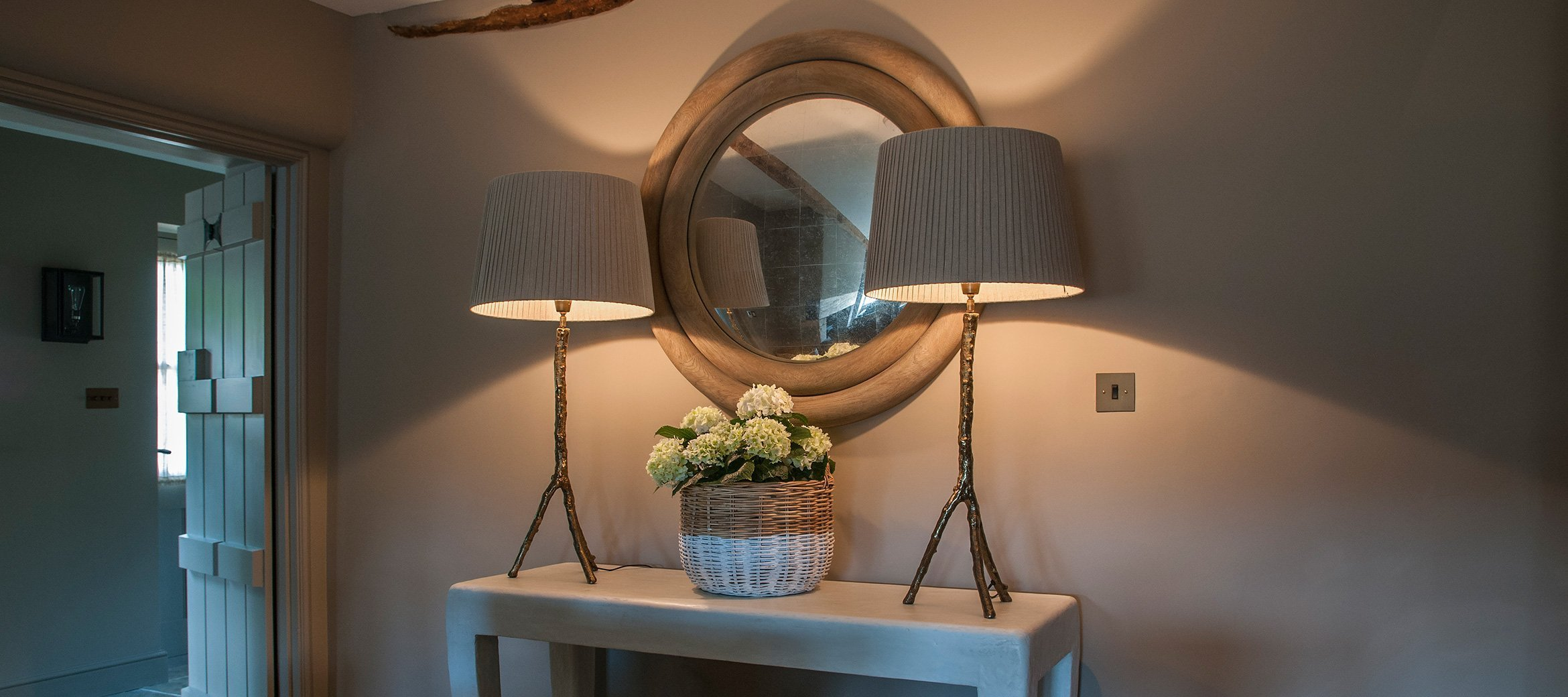 greys-luxury-cotswold-cottage-console-table