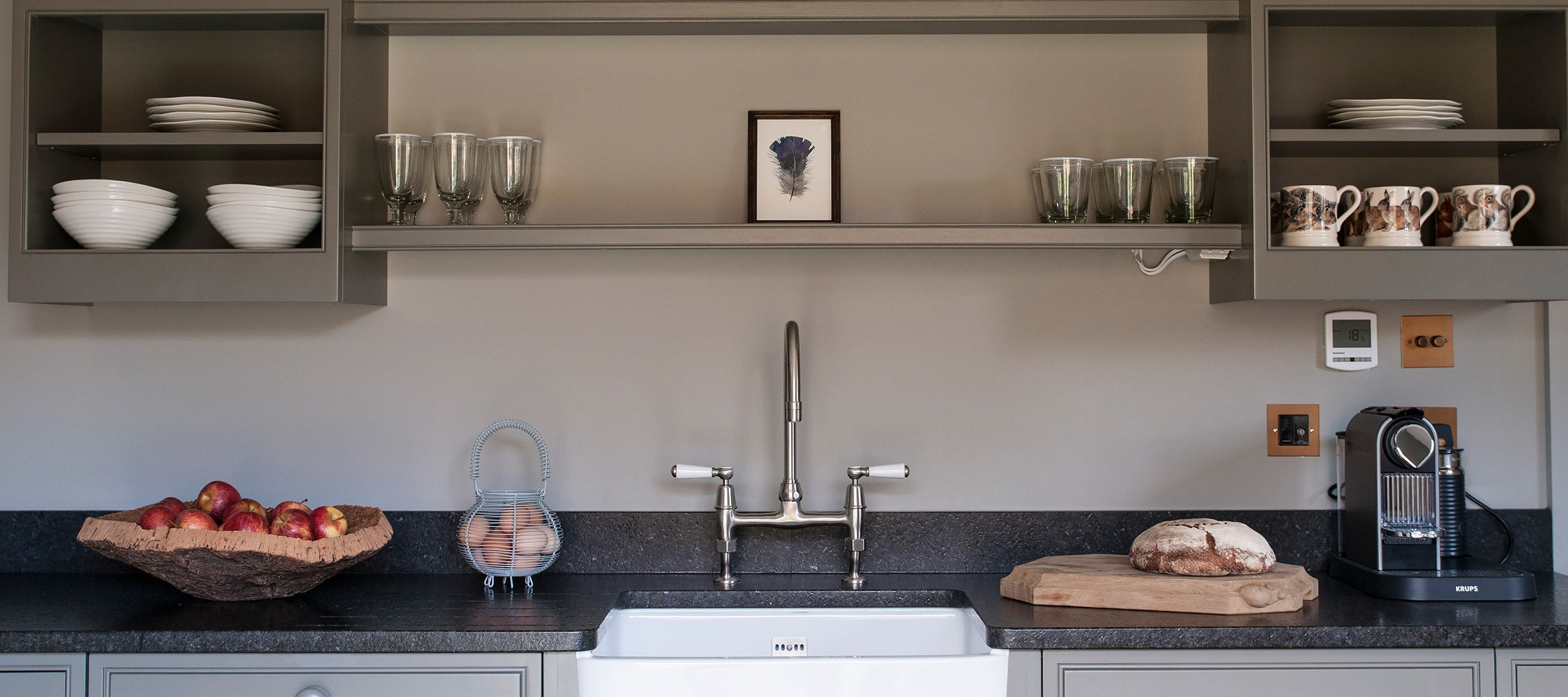 greys-luxury-cotswold-cottage-kitchen-butlers-sink