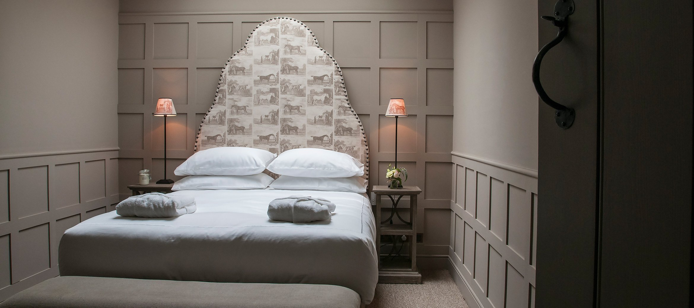 owl-cottage-luxury-cotswold-cottage-double-bedroom