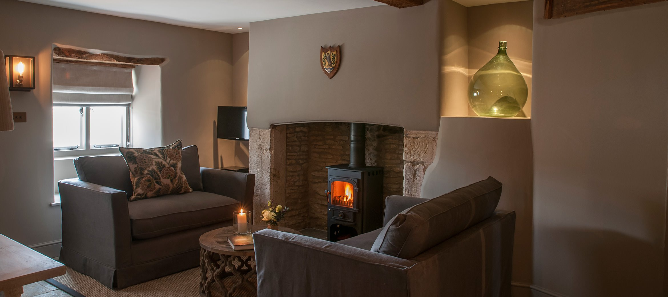 owl-cottage-luxury-cotswold-cottage-sitting-room