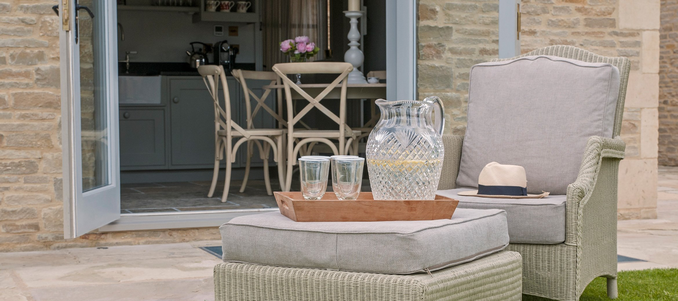 stable-luxury-cotswold-cottage-garden-chair