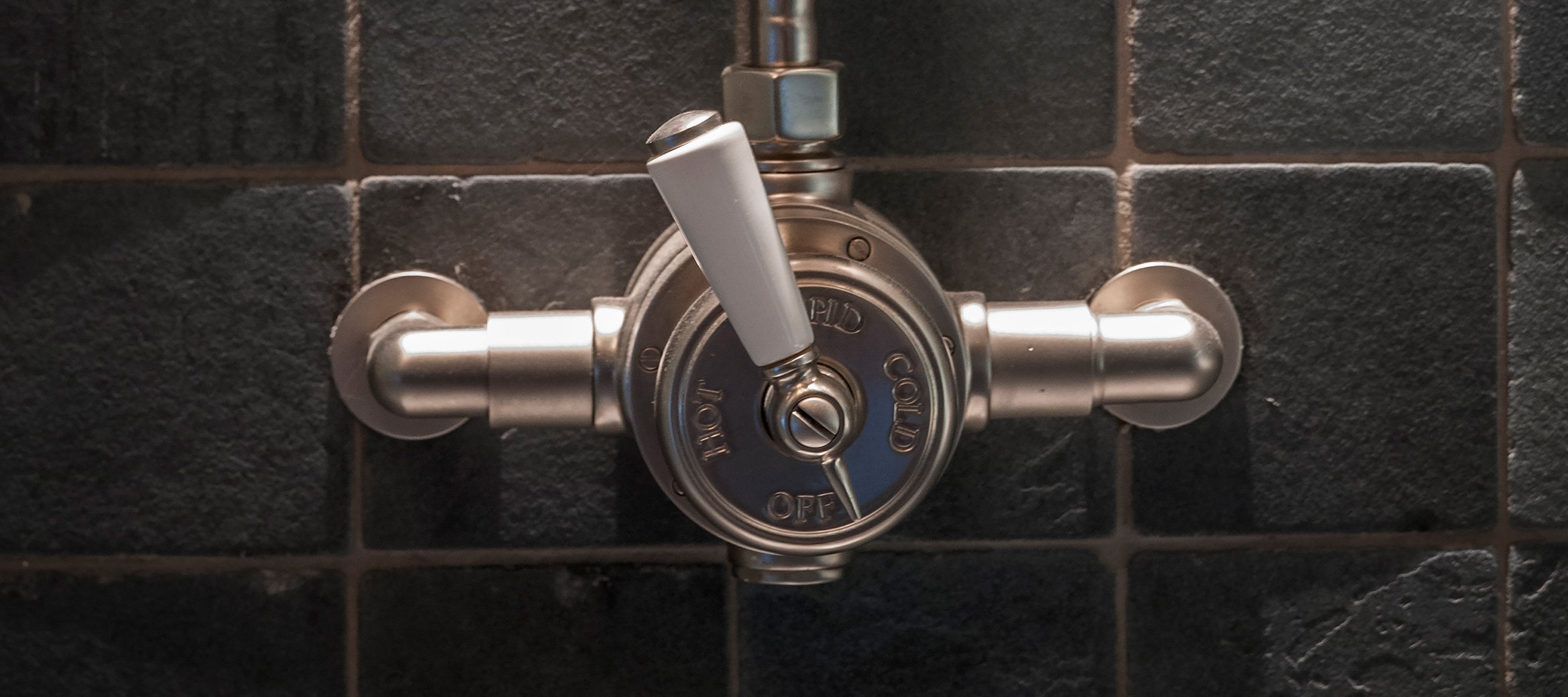 stable-luxury-cotswold-cottage-shower-valve-slate
