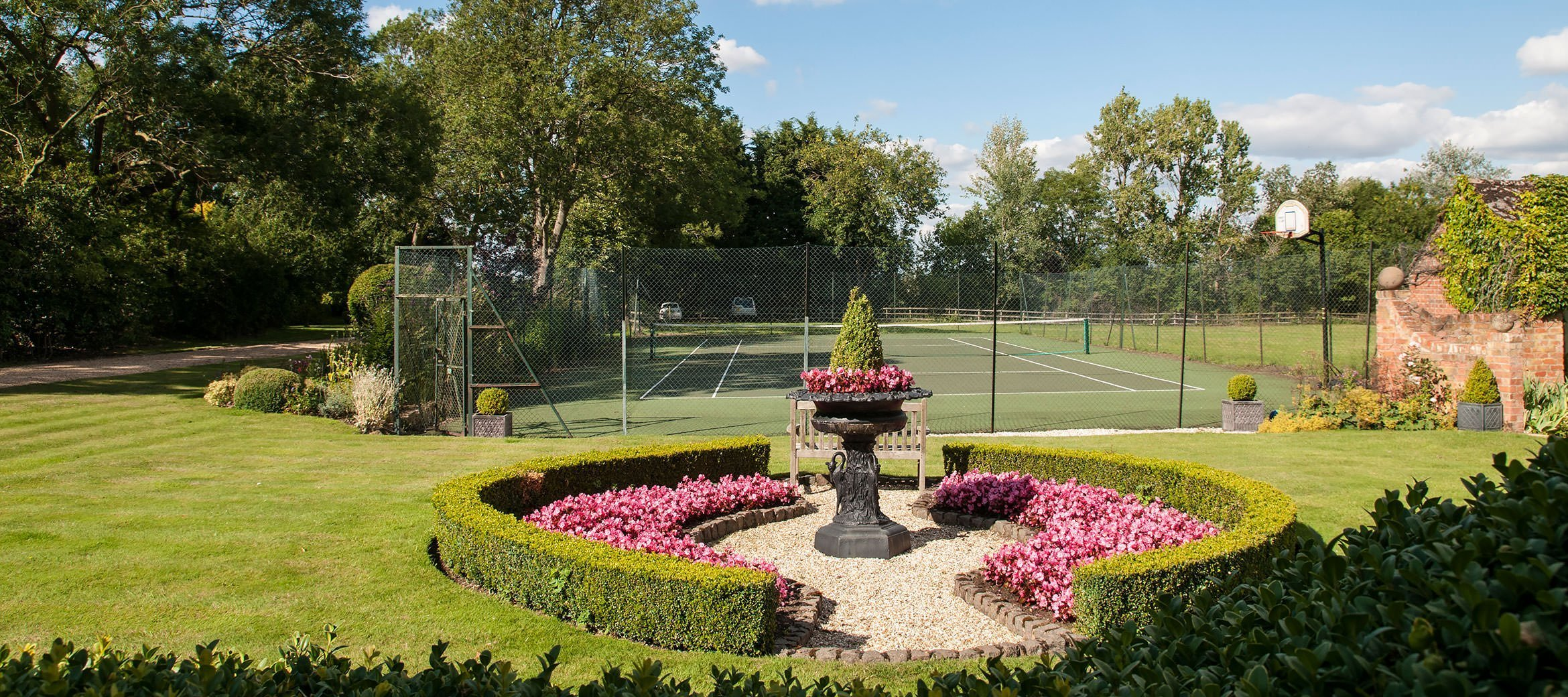 old-rectory-broadway-tennis-court