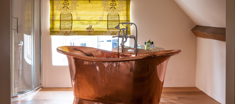 cotswold-burden-court-copper-bath