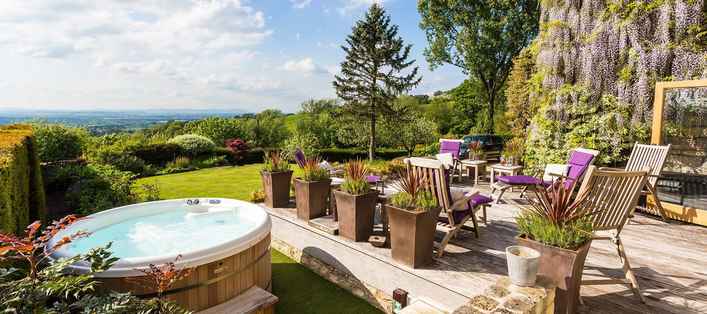 dryhill-hot-tub-terrace