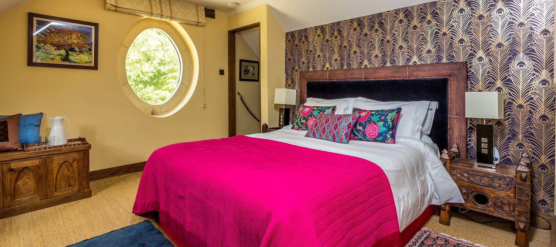 dryhill-music-room-bedroom