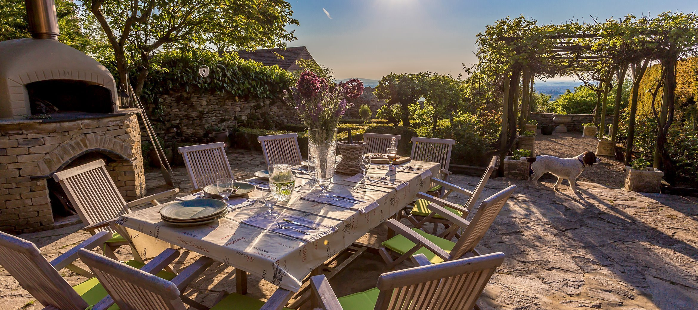 dryhill-outdoor-dining