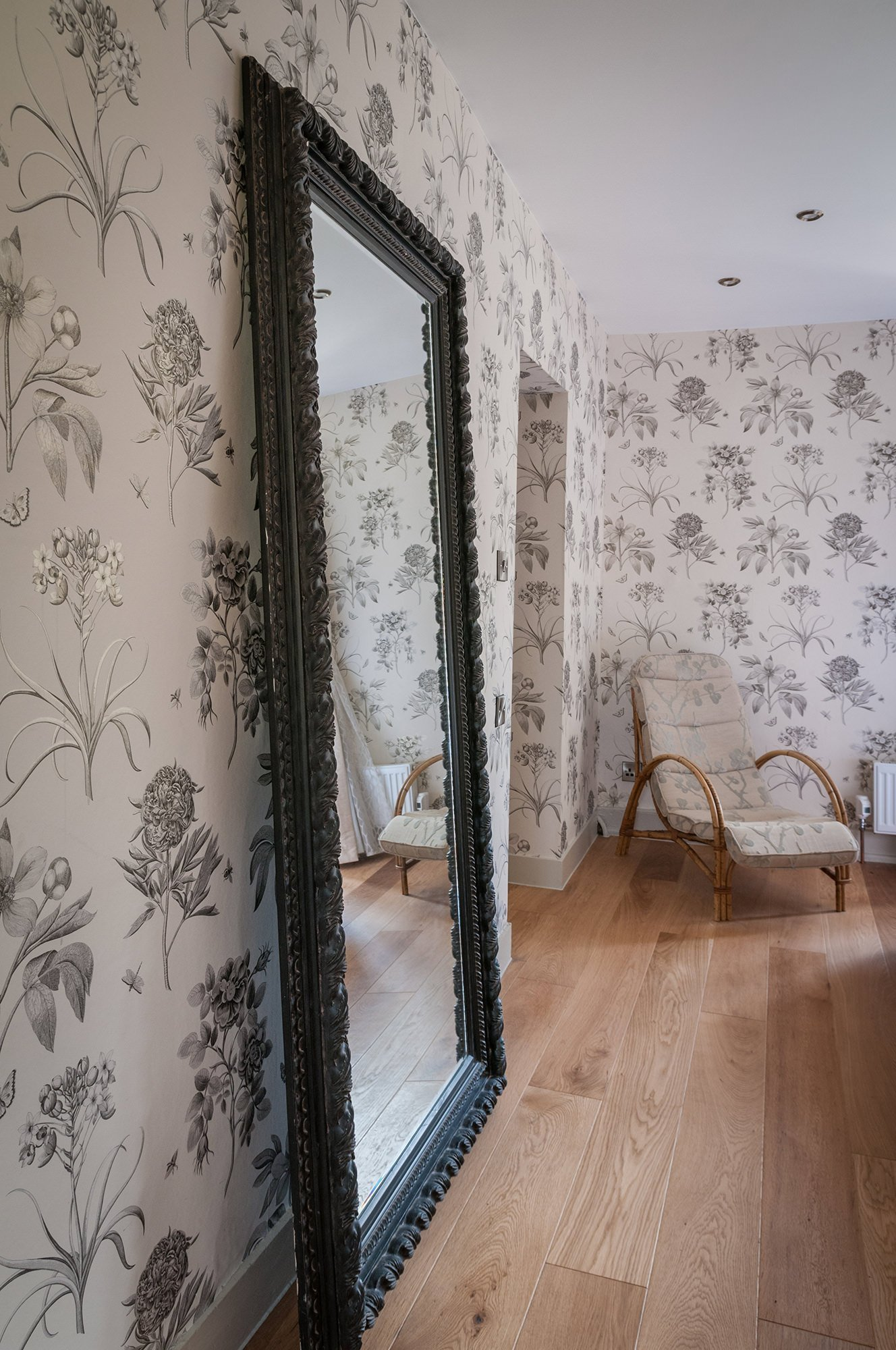 lower-brook-house-bedroom-mirror