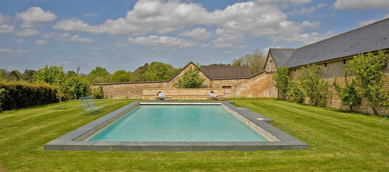 churchill-manor-chipping-norton-swimming-pool