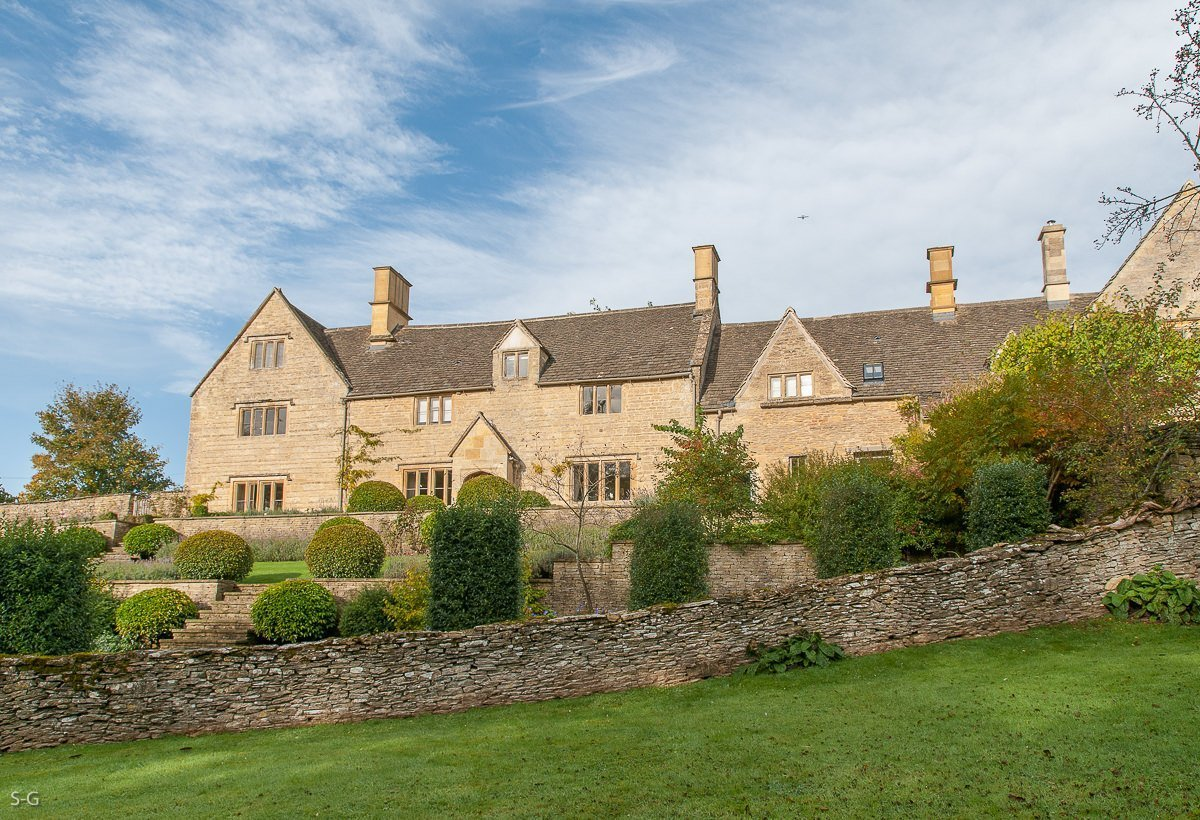 luxury-guiting-power-9377