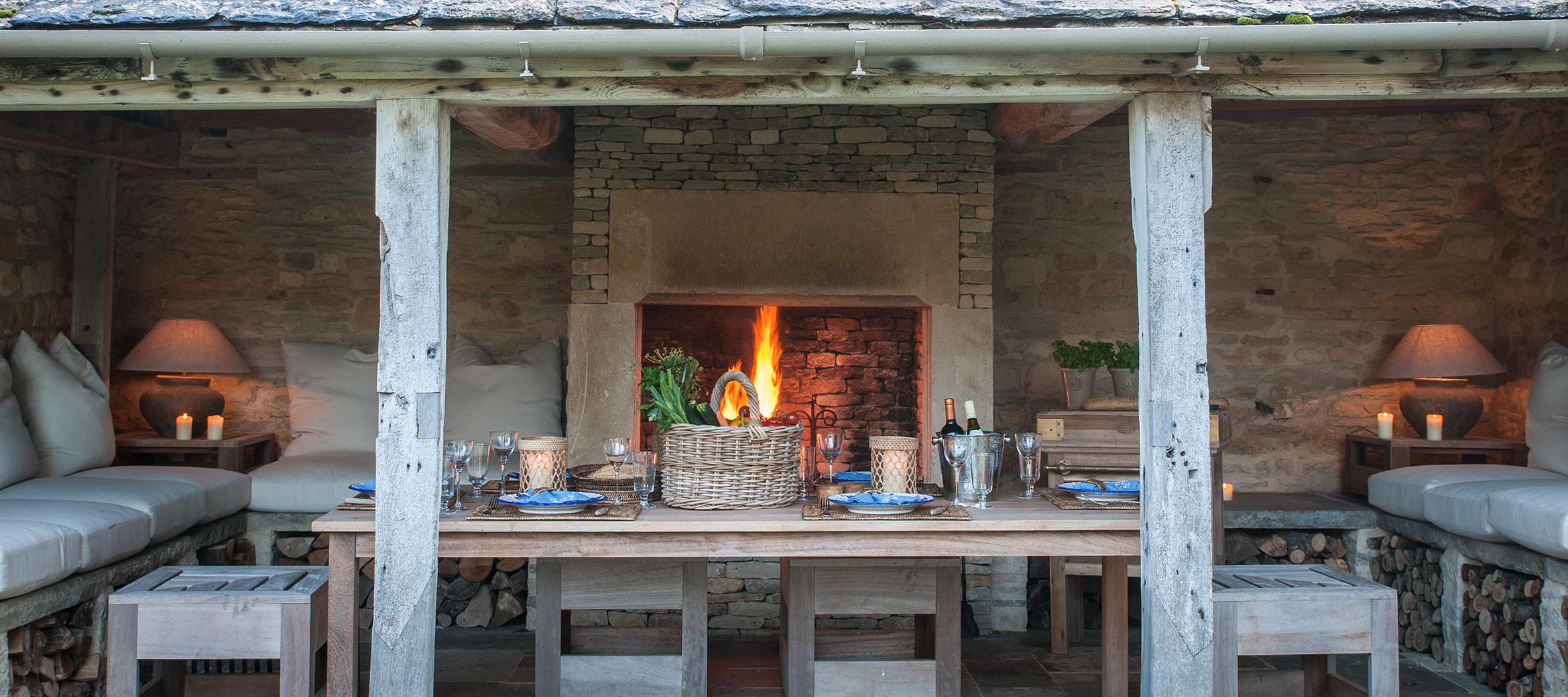 luxury-cotswold-farmhouse-barbecue-barn