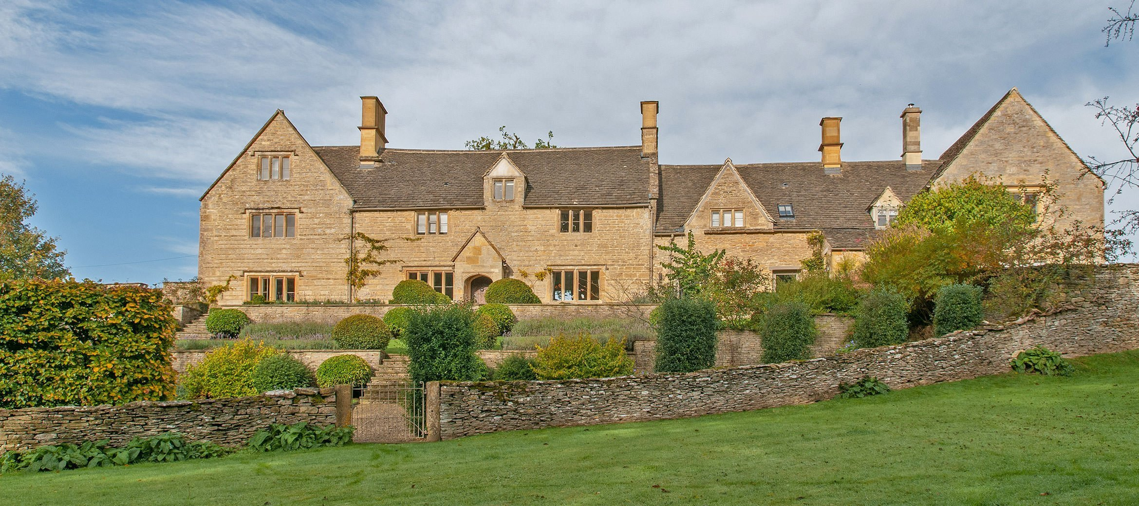 luxury-cotswold-farmhouse-guiting-power