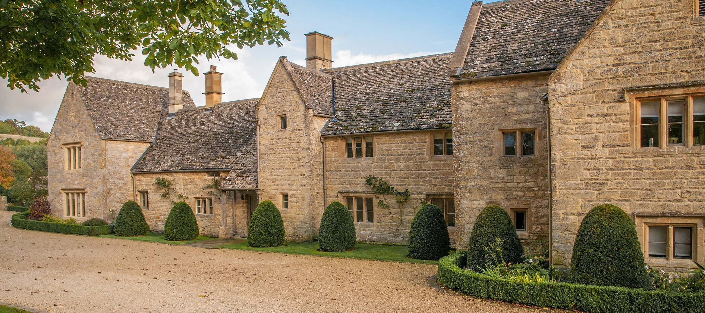 luxury-cotswold-farmhouse-historic-elevation
