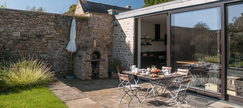 luxury-kingham-cotswold-cottage-breakfast