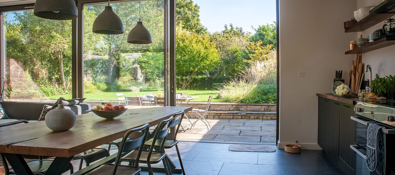 luxury-kingham-cotswold-cottage-kitchen-garden