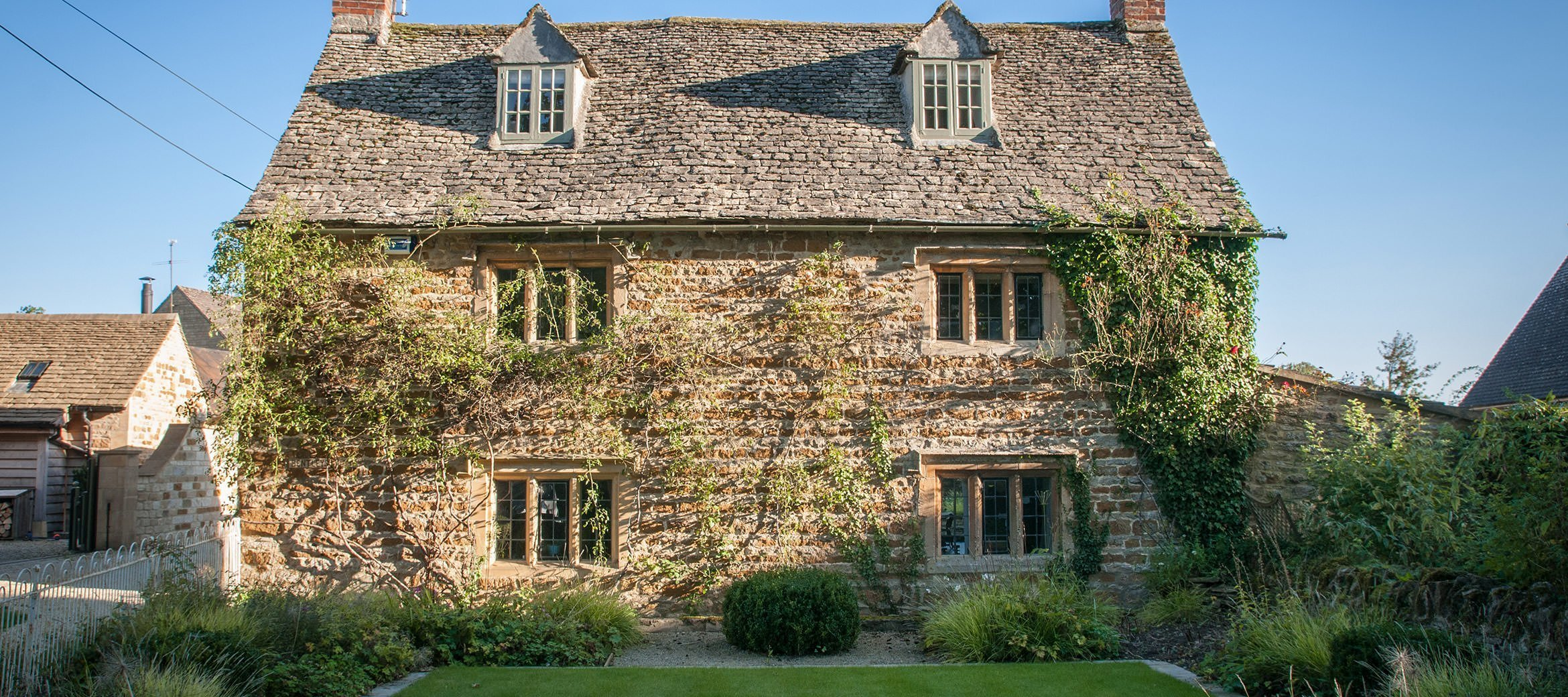 luxury-kingham-cotswold-cottage-west-street