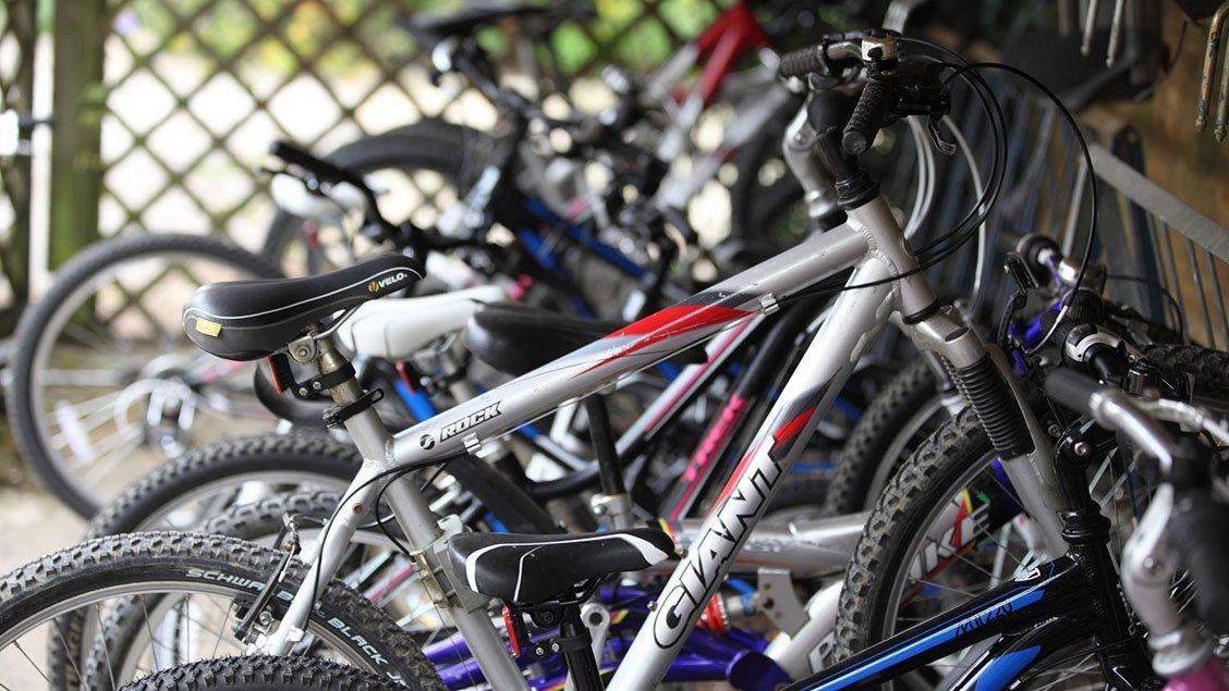 bruern-holiday-cottages-bikes