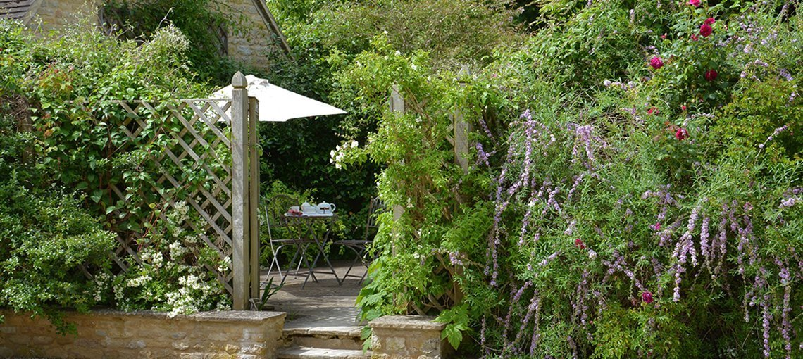 bruern-holiday-cottages-cope-garden-gate