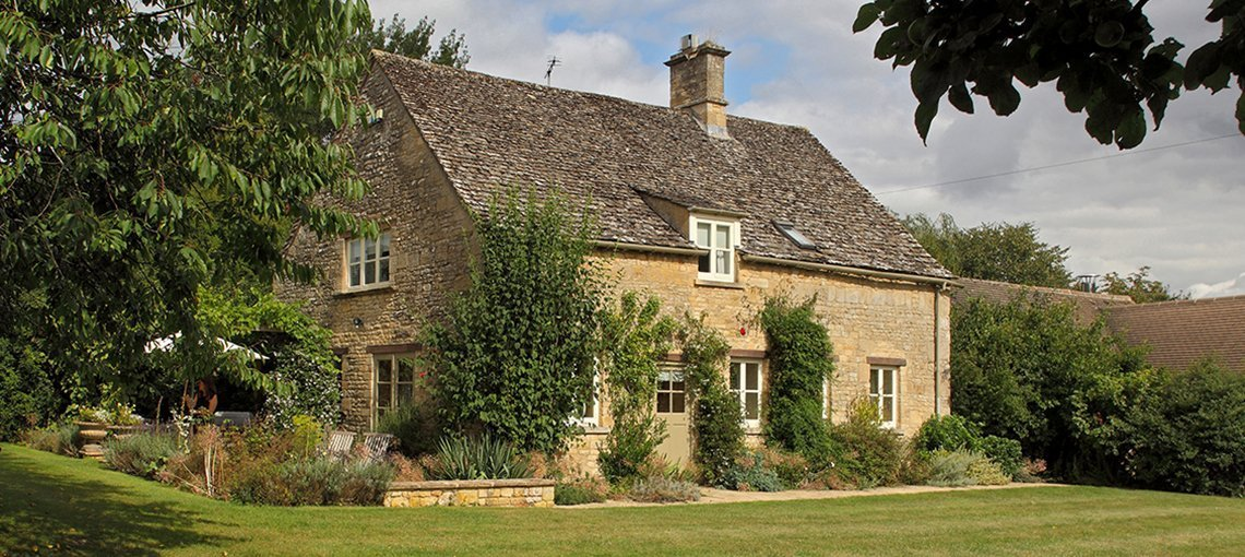 bruern-holiday-cottages-bookers-cottage-exterior