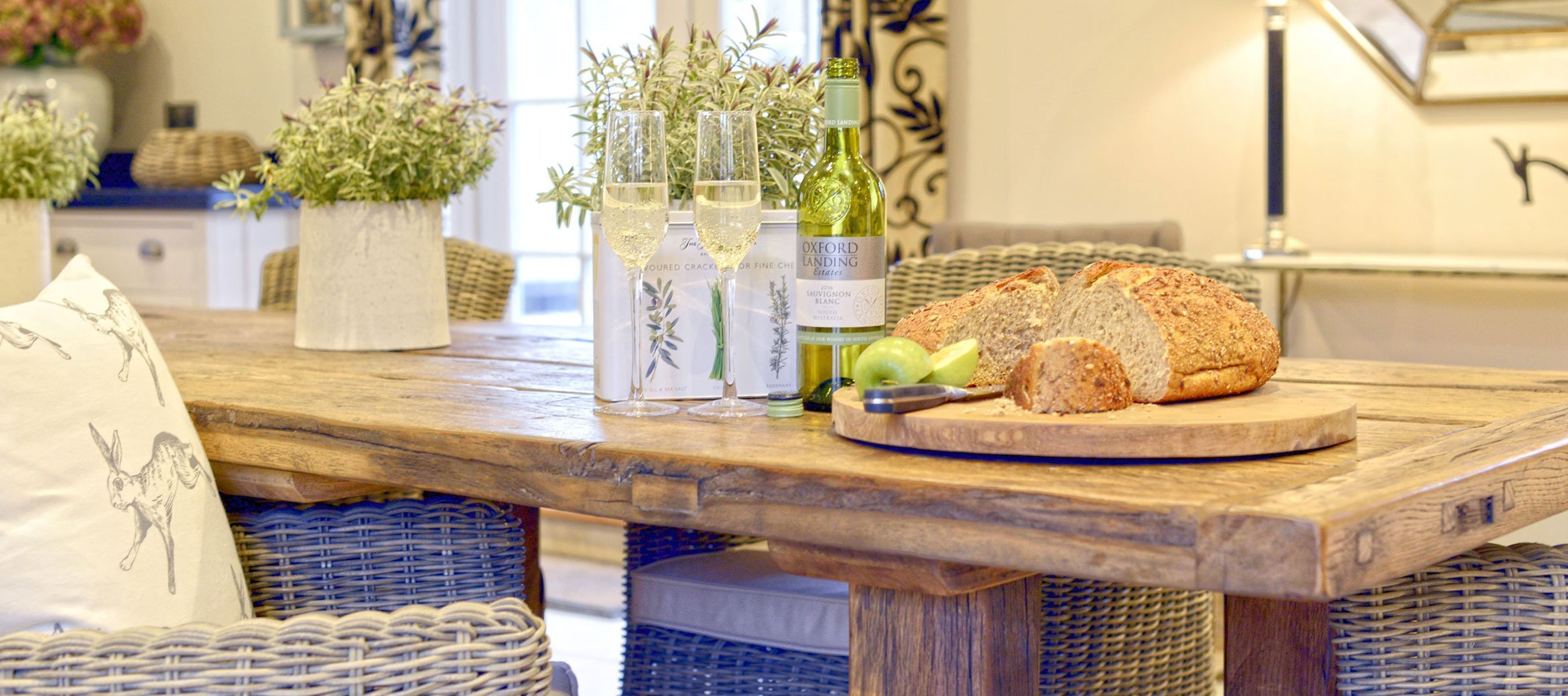 the-laurels-draycott-kitchen-table
