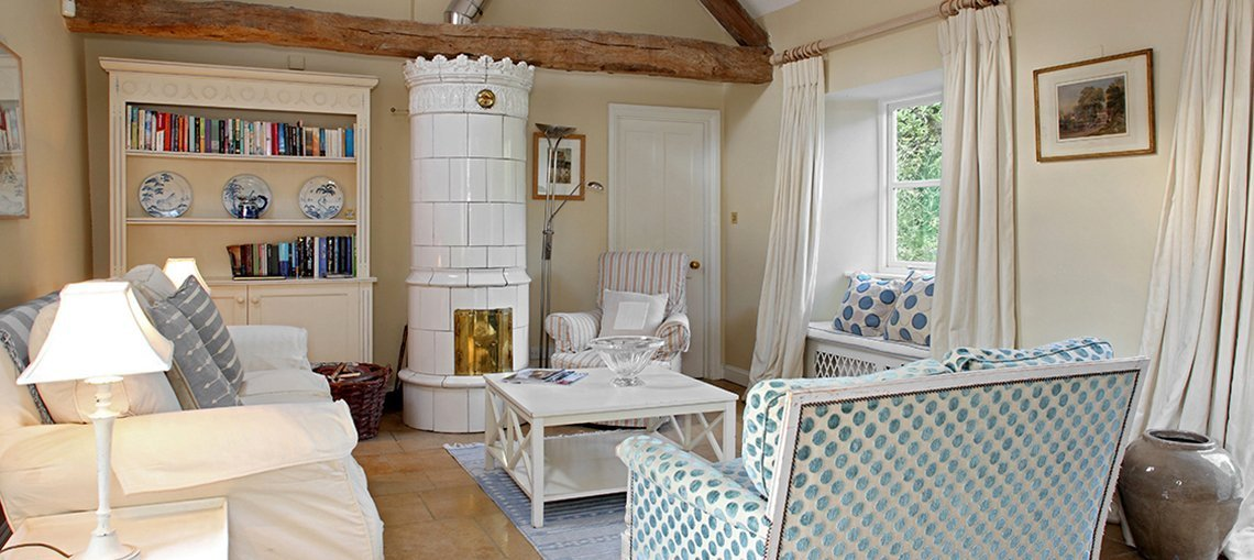 bruern-holiday-cottages-shipton-sitting-room
