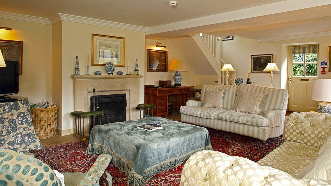 bruern-holiday-cottages-bookers-cottage-sitting-room