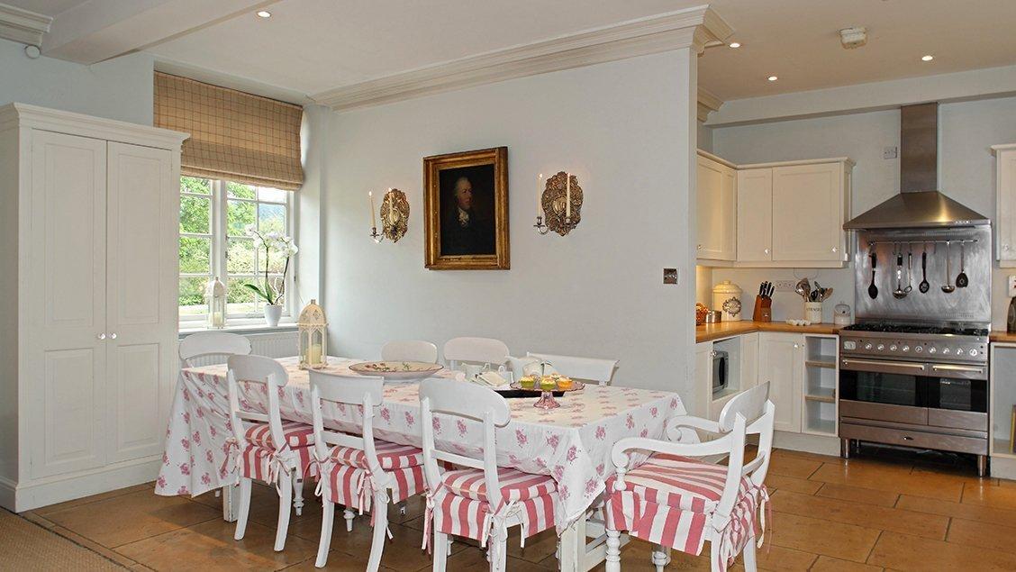 bruern-luxury-cottages-newmarket-kitchen-dining-room