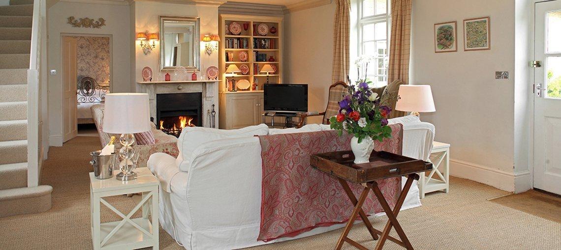 bruern-luxury-cottages-newmarket-sitting-room