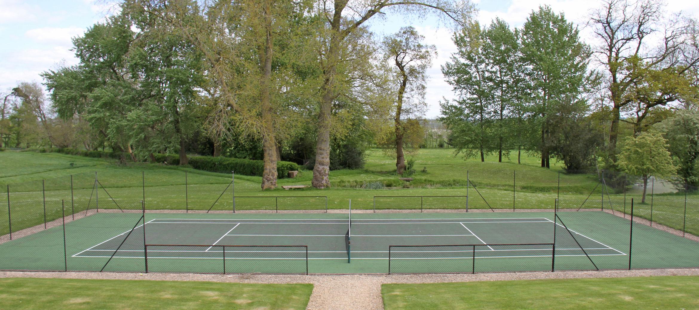 langley-park-cotswold-tennis-court