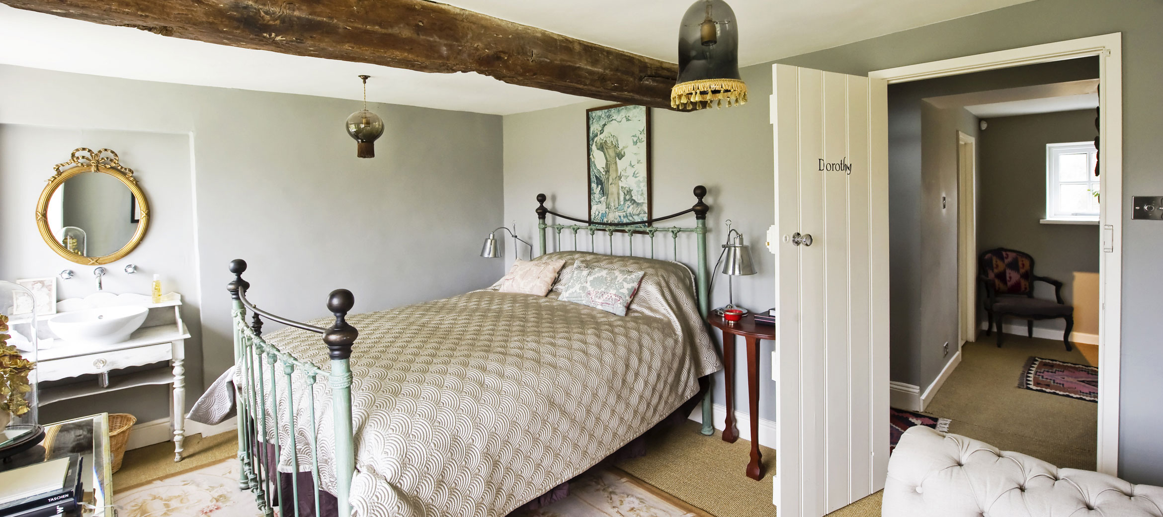 the-folly-cotswold-cottage-dorothy-bedroom